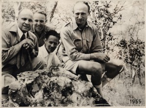 Rudy Dudal (second from the left) in Katanga, Congo on a soil corerelation tour with R. Tavernier (first left) , J. Croegaert (third from the left) and C. Sys (fourth from the left), photo: courtesy E. Van Ranst